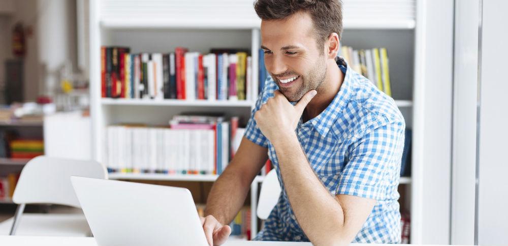 Работа в интернете для мужчин веб моделью как поднять себе настроение девушке на работе