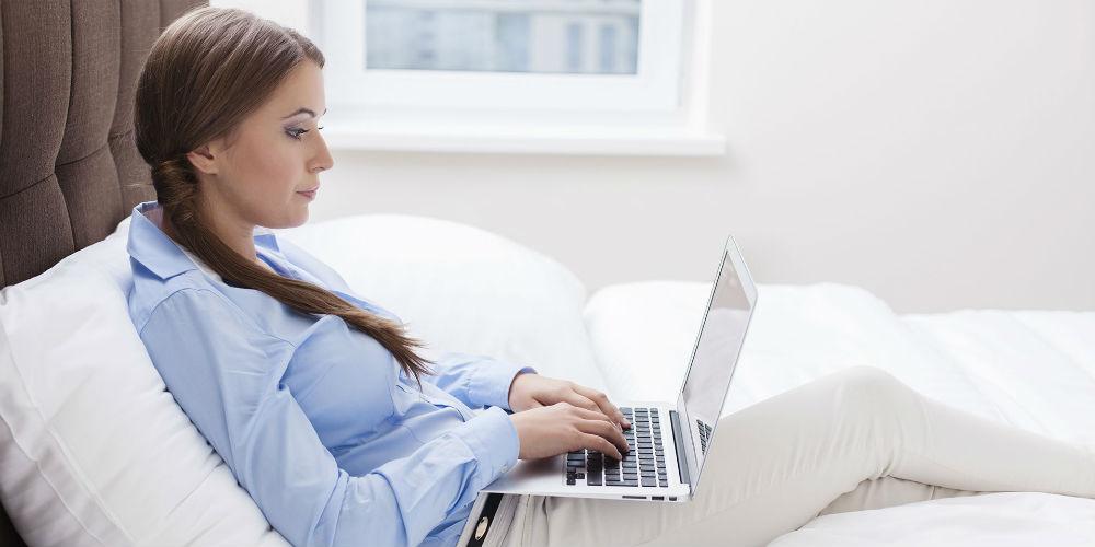 Девушка в вебкам-чате